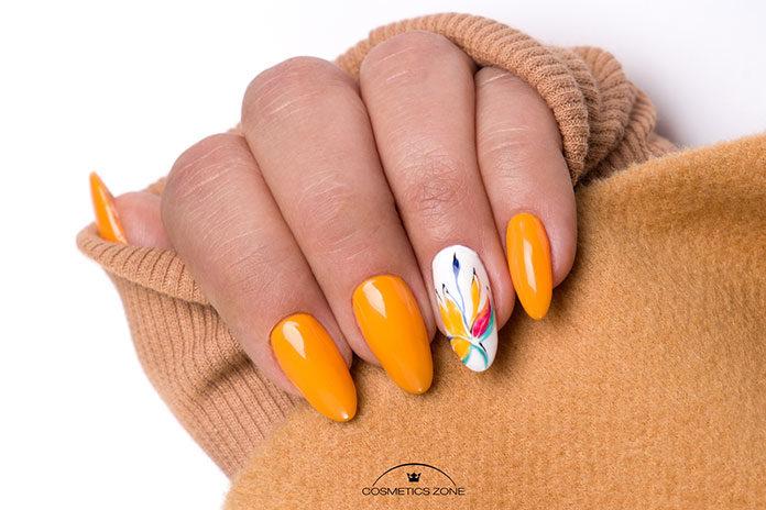 Czym charakteryzuje się manicure hybrydowy?