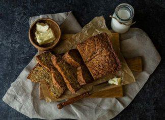 Jak zrobić chlebek bananowy z polewą z białej czekolady?
