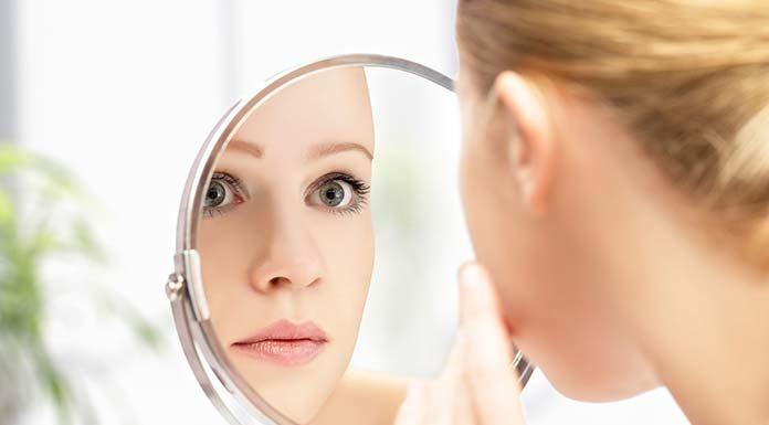 Jak zlikwidować zmarszczki pod oczami? Najlepszy krem na zmarszczki pod oczami oraz domowe sposoby